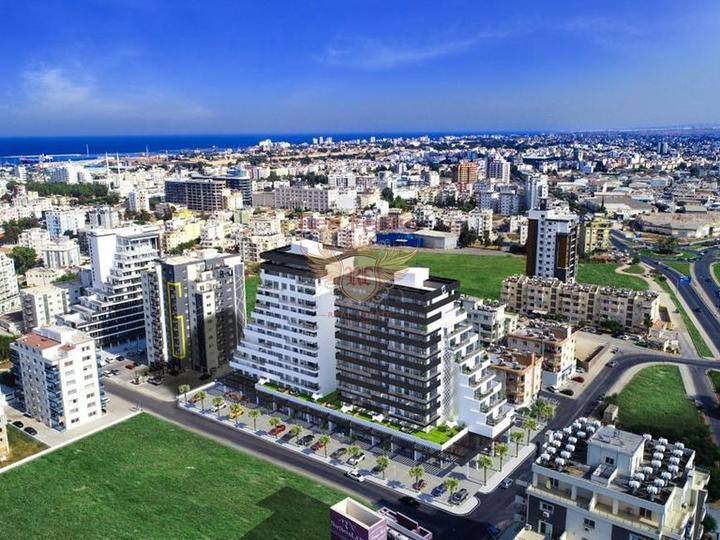 Жилой комплекс располагается в престижном районе города — Коньяалты,микрорайоне Гюрсу всего в 300 м от моря.