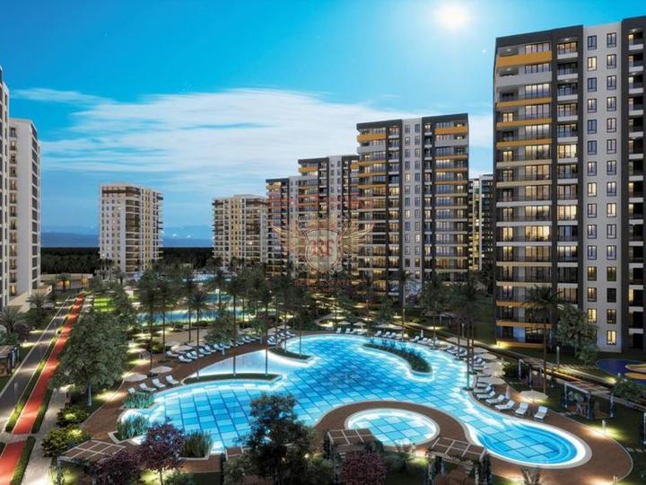 Данный апартмент находится всего в 150 метрах от пляжа Коньялты и в 15 минутах езды от Калейчи, старого района Антальи.