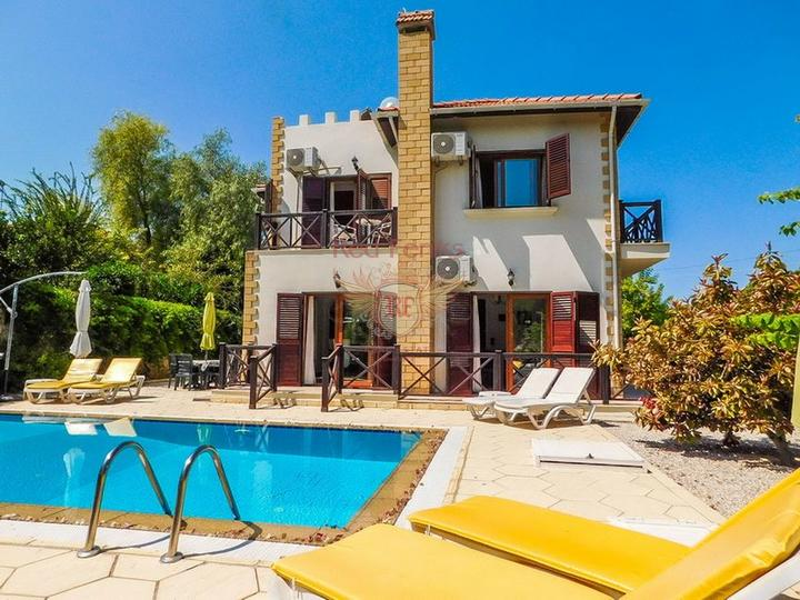 Открылись продажи в жилом комплексе отельного плана в Лимане рядом с Боачай каналом в районе Коньяалты Анталия.