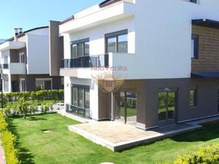Duplex with 3 bedrooms and 3 bathrooms in a complex within walking distance from Calis Beach in Fethiye.