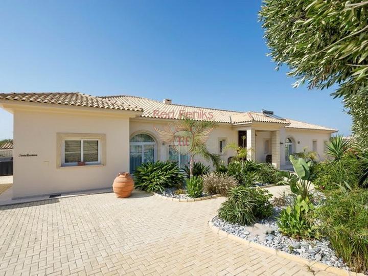 Freistehende und Maisonette-Villen in Komplex mit Pool zum Verkauf in Antalya, Villa in Анталия kaufen, Villa in der Nahe des Meeres Анталия