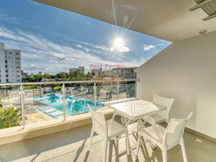 Новая 3 спальная вилла + камин + кухонные шкафы + недалеко от моря, купить дом в Кирения