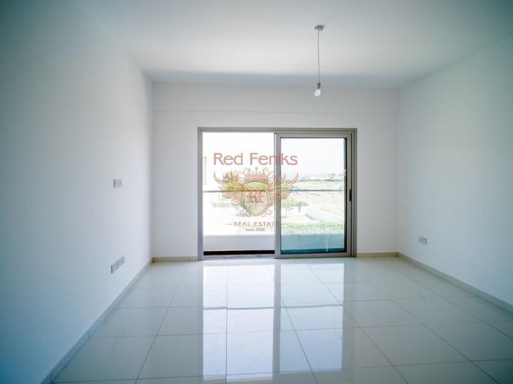 Апартаменты с 2-3 спальнями и садом + коммунальный бассейн, купить квартиру в Кирения