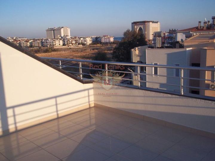 Duplex with 3 bedrooms and 3 bathrooms in a complex within walking distance to the famous Calis Beach in Fethiye.
