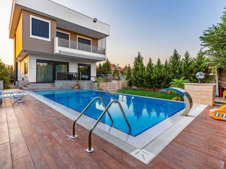 Studio type apartment 650 meters from Calis Fethiye Beach.