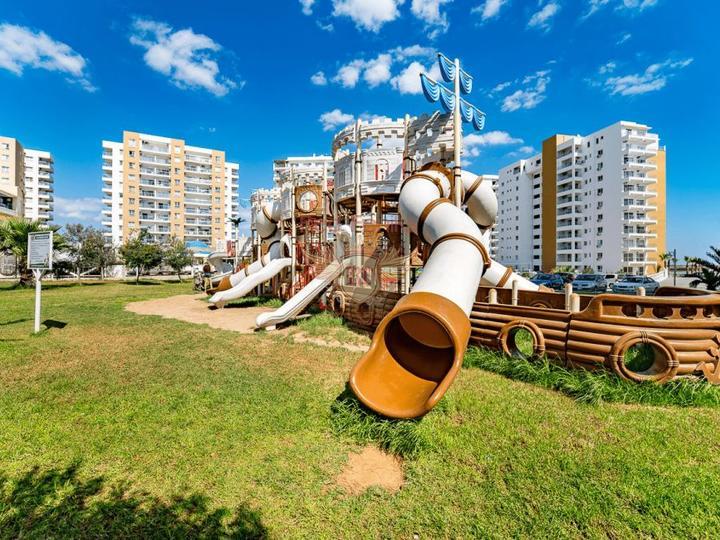 4 этажные виллы с собственным лифтом 6+1 в 4,5 км от пляжа в Коньяалты, Вилла в Анталия Турция
