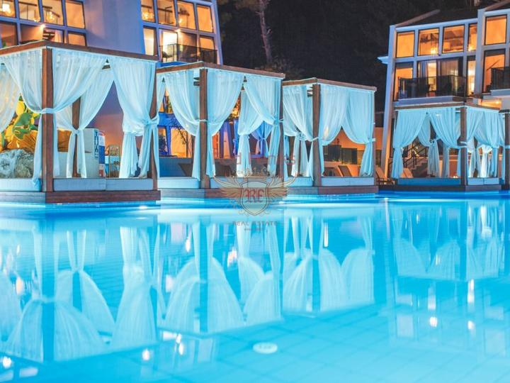 Villa 4 + 1 300m from Calis Fethiye Beach for sale, buy home in Turkey, buy villa in Фетхие, villa near the sea Фетхие